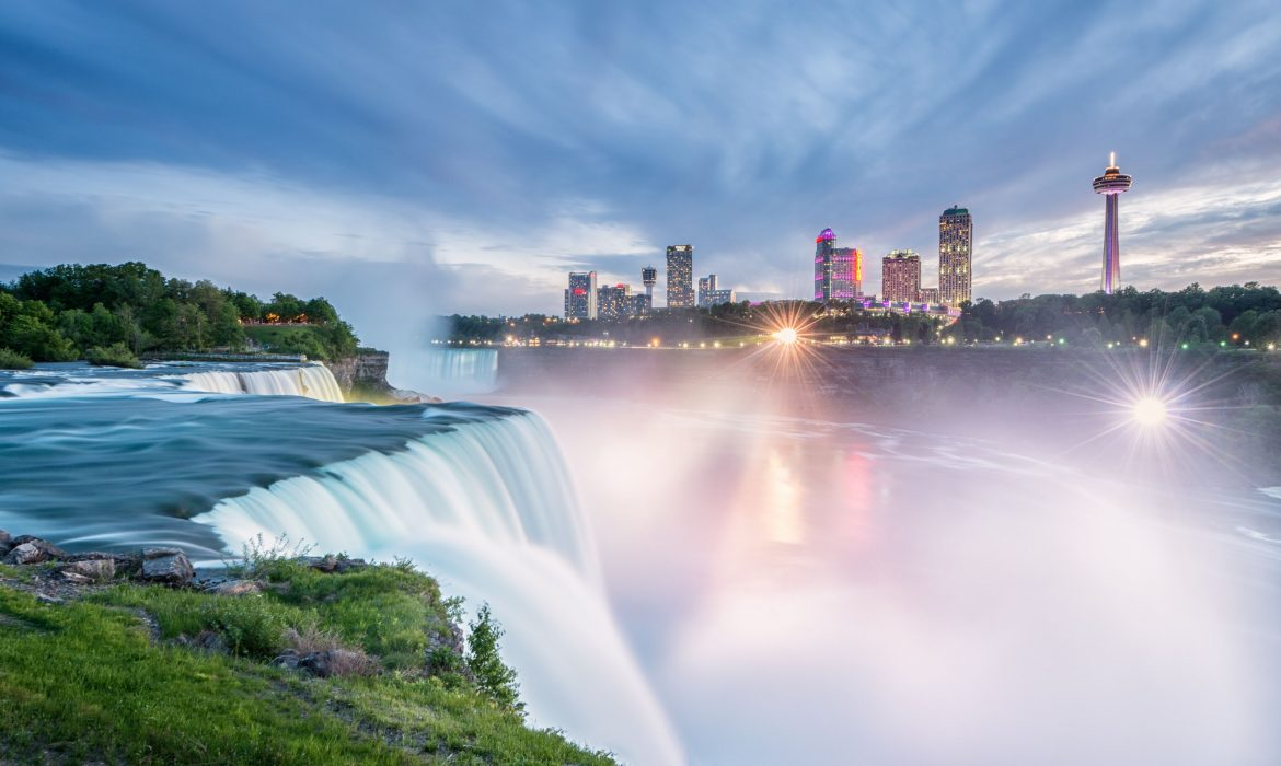 8 Romantic Spots to take Pictures in Niagara Falls